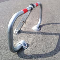 Bloc parking avec amortisseur avec clé triangle